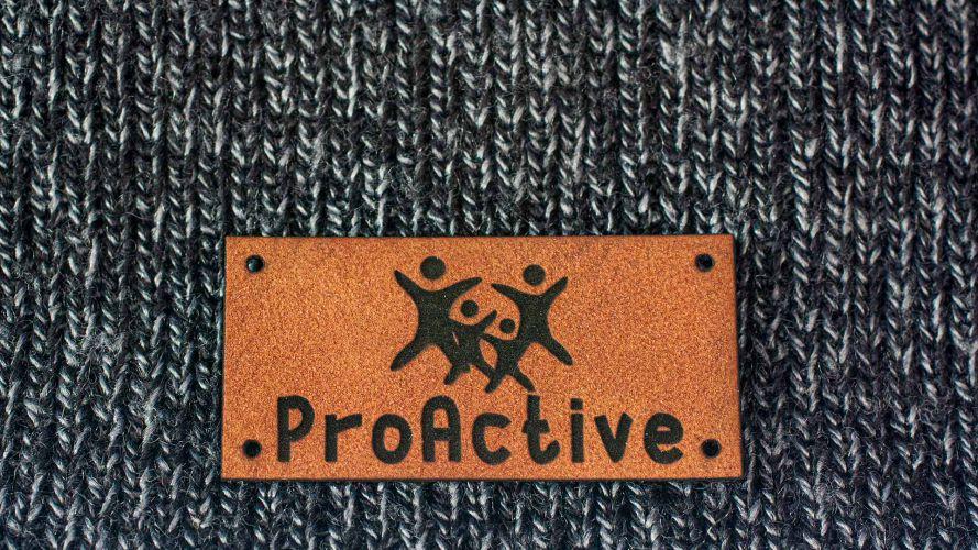 Naszywka ze skóry z napisem ProActive